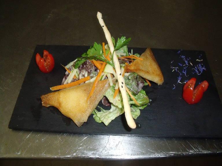 croustillant aux munster avec méli mélo de salade